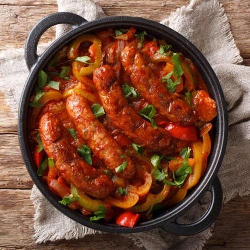 salsiccia in padella con peperoni cipolla
